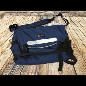 Patagonia Blue Messenger Medium Bag